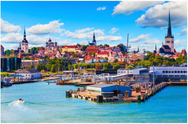 FLIGHTS, ACCOMMODATION AND MOVEMENT IN TALLINN